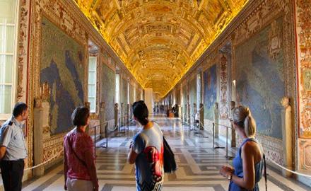 Visitas al Vaticano - After Hours en la Galería de Mapas con IWU